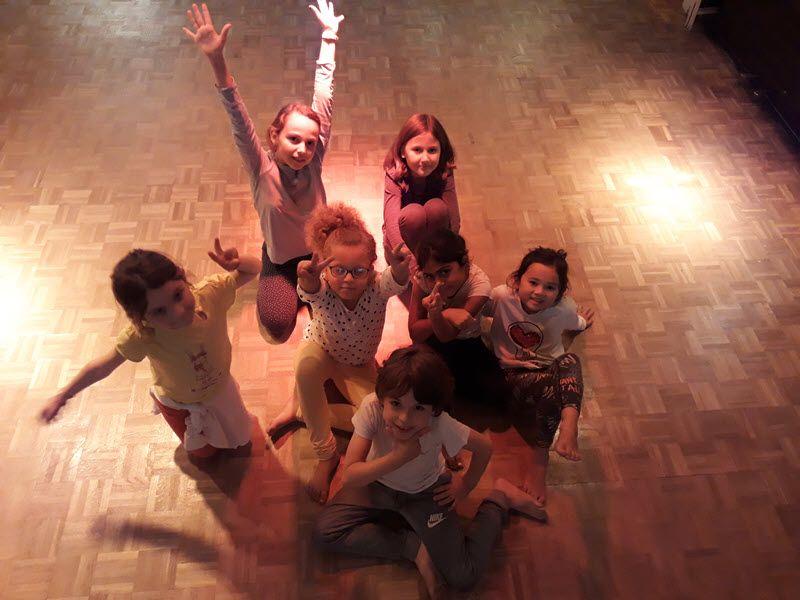 La Casa des Enfants - Danse 01